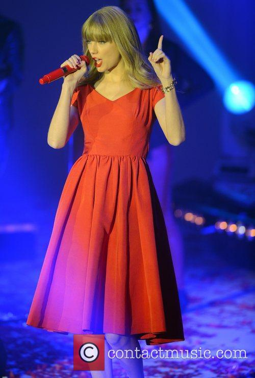 Taylor Swift, Westfield, London and England 17