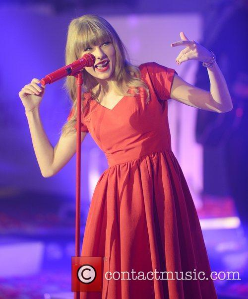 Taylor Swift, Westfield, London and England 22