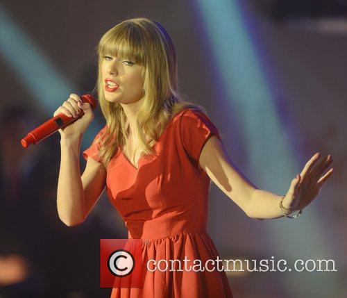 Taylor Swift, Westfield, London and England 6