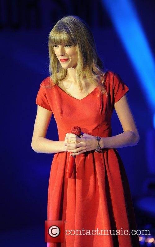 Taylor Swift and Westfield Shopping Centre 12