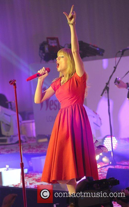 Taylor Swift and Westfield Shopping Centre 31