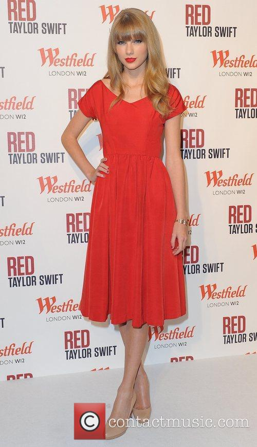 Taylor Swift and Westfield Shopping Centre 30