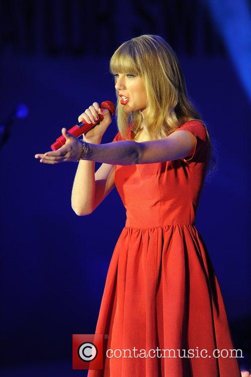 Taylor Swift and Westfield Shopping Centre 26