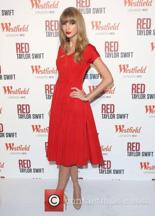 Taylor Swift, Christmas, Westfield and Westfield Shopping Centre 47