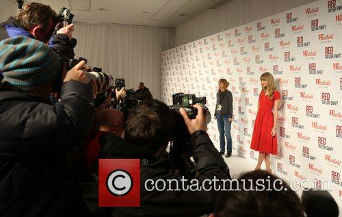 Taylor Swift, Christmas, Westfield and Westfield Shopping Centre 37