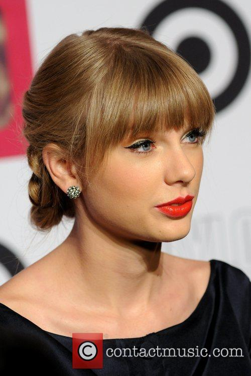 taylor swift taylor swift and target red 5938704