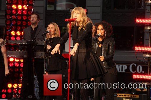Taylor Swift, Times Square, Good Morning America, Times Square and Good Morning America 19