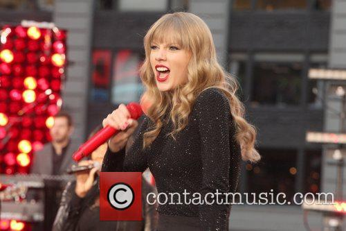 Taylor Swift, Times Square, Good Morning America, Times Square and Good Morning America 5