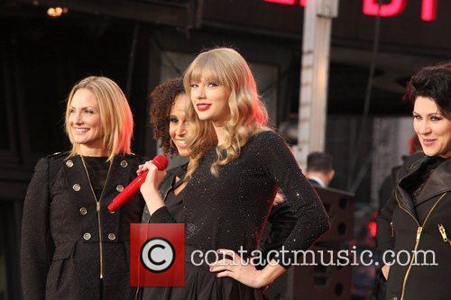 Taylor Swift, Times Square, Good Morning America, Times Square and Good Morning America 32