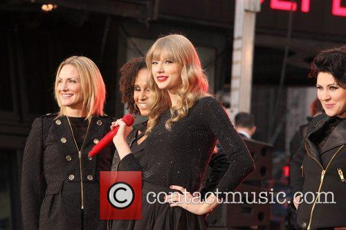 Taylor Swift, Times Square, Good Morning America, Times Square and Good Morning America 29