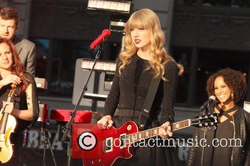 Taylor Swift, Times Square, Good Morning America, Times Square and Good Morning America 10