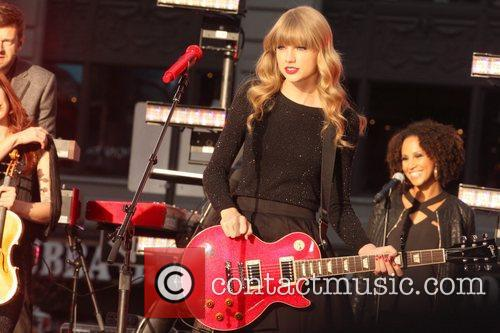 Taylor Swift, Times Square, Good Morning America, Times Square and Good Morning America 1