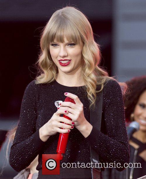 Taylor Swift, Times Square and Good Morning America 1