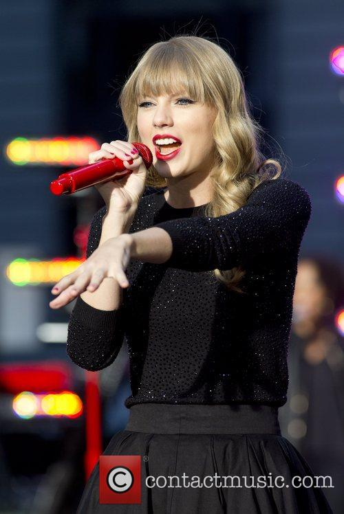 Taylor Swift, Times Square and Good Morning America 21