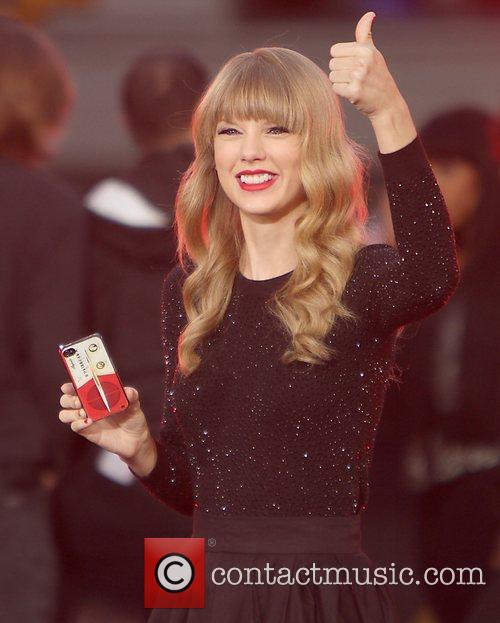 Taylor Swift, Times Square and Good Morning America 37