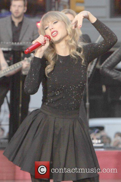 Taylor Swift, Times Square and Good Morning America 49