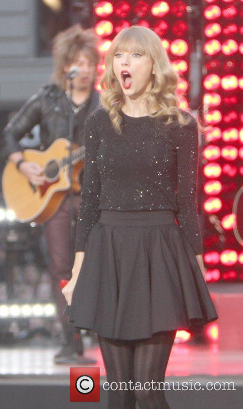 Taylor Swift, Times Square and Good Morning America 47