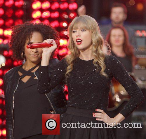 Taylor Swift, Times Square and Good Morning America 45
