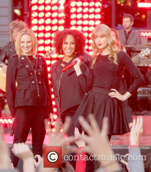 Taylor Swift, Times Square and Good Morning America 41