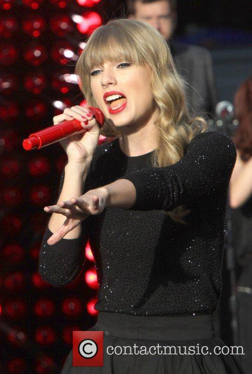 Taylor Swift, Times Square and Good Morning America 48