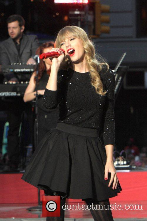 Taylor Swift, Times Square and Good Morning America 32