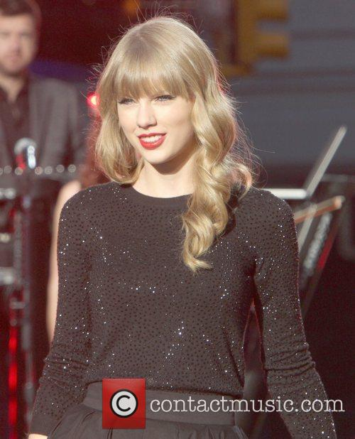 Taylor Swift, Times Square and Good Morning America 34