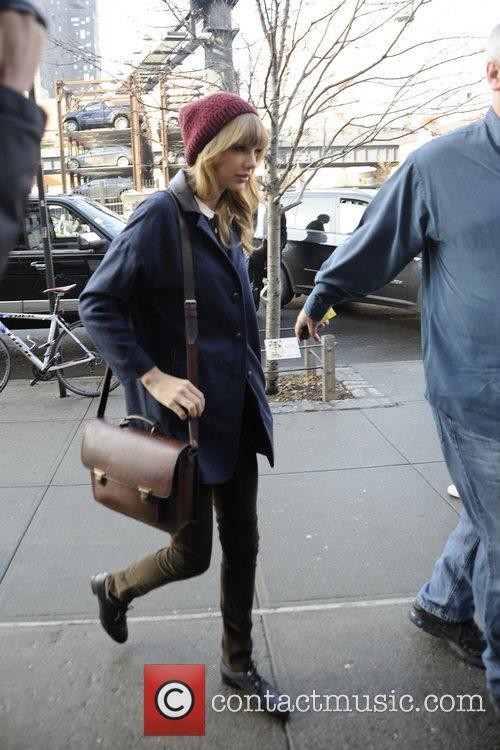 Taylor Swift, Chelsea and Manhattan 11