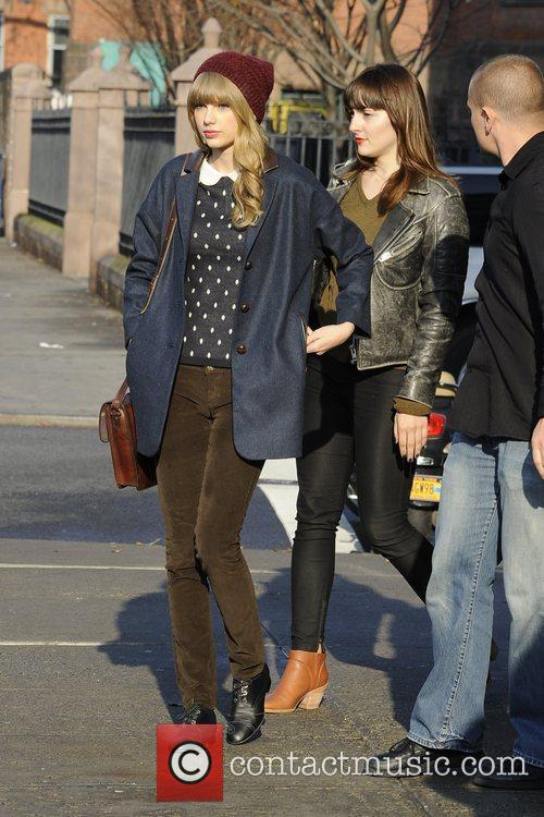 Taylor Swift, Chelsea and Manhattan 9