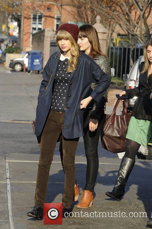 Taylor Swift, Chelsea and Manhattan 5