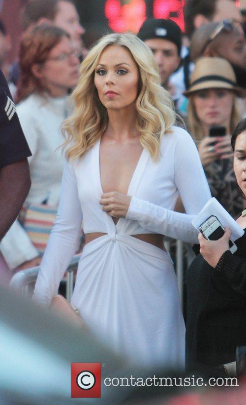 Laura Vandervoort and Grauman's Chinese Theatre 4