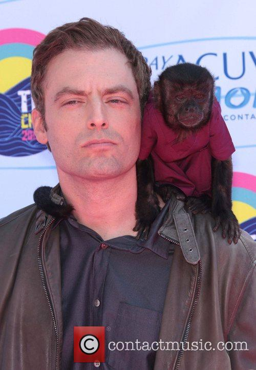 justin kirk and crystal the monkey the 4002383