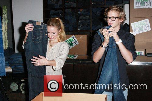 Kristen Bell and Cody Simpson DoSomething.org and Aeropostale...