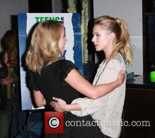 Julianne Hough and Kristen Bell 1