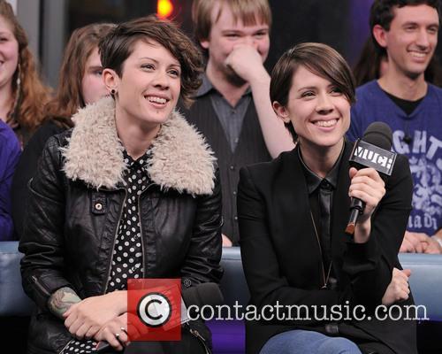 Tegan Quin and Sarah Quin 7