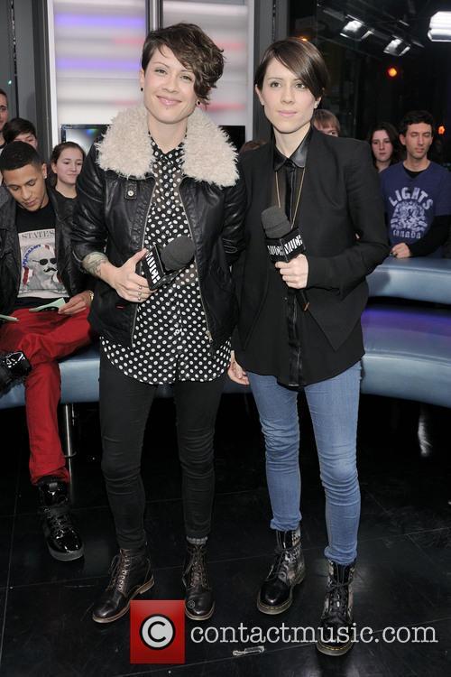 Tegan Quin and Sarah Quin 9