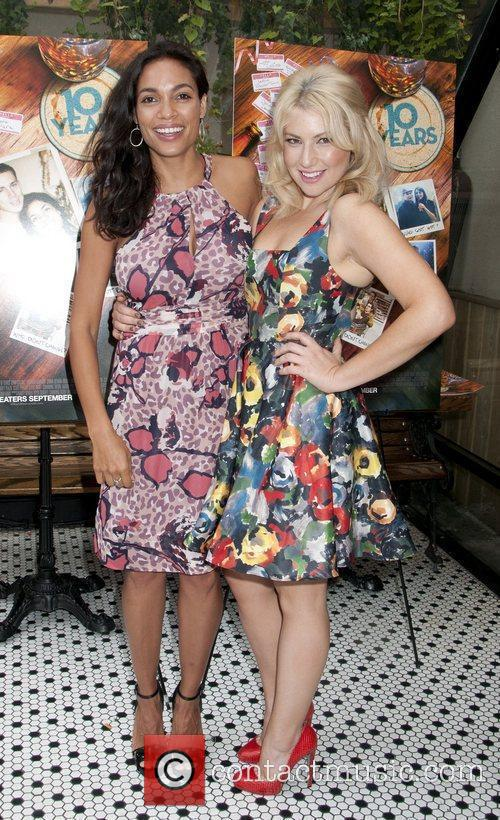 Rosario Dawson, Ari Graynor '10 Years' brunch reunion...