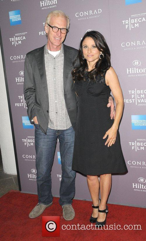 brad hall and julia louis dreyfus 2012 3787557