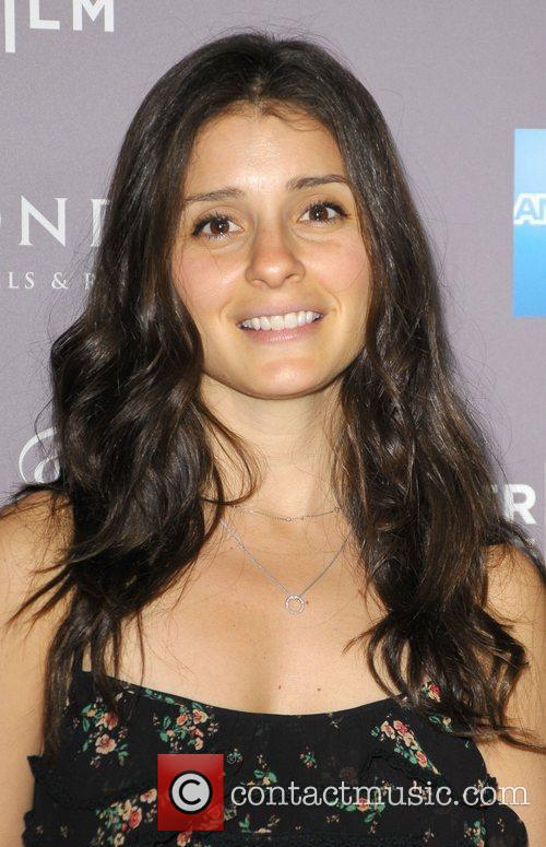 Shiri Appleby and Beverly Hilton Hotel 3