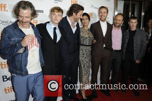 Ben Mendelsohn, Bradley Cooper, Eva Mendes and Ryan Gosling 2