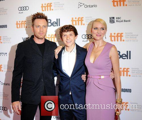 Ewan Mcgregor, Naomi Watts and Tom Holland 2