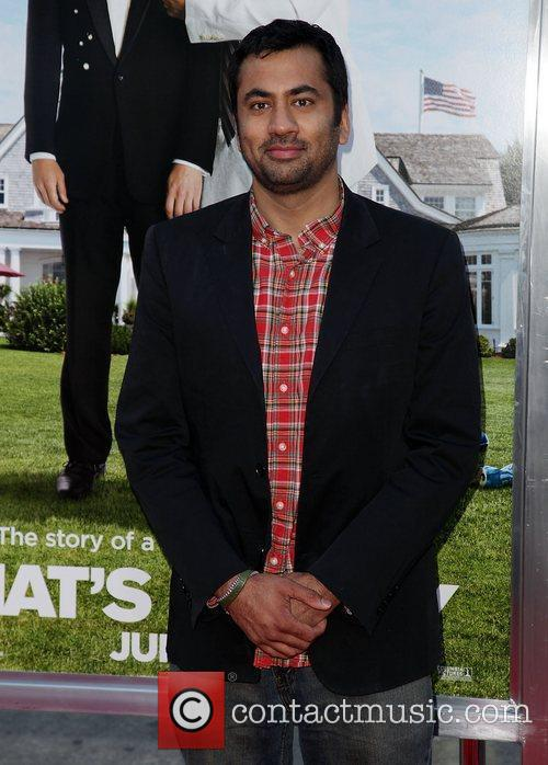 kal penn premiere of columbia pictures thats 3927606