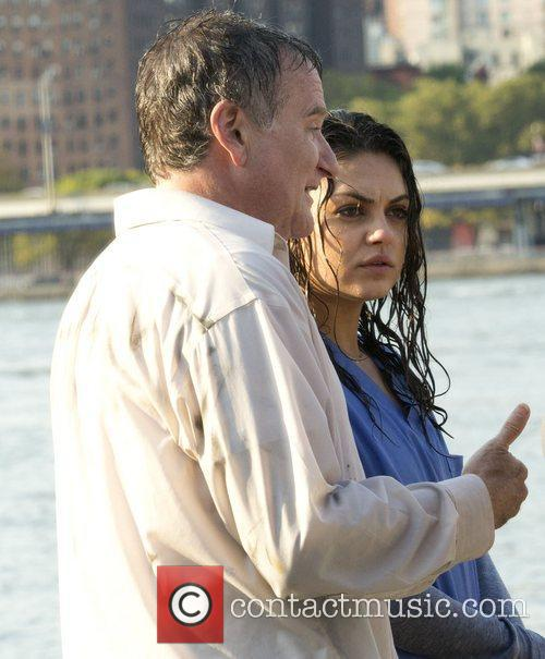 Mila Kunis and Robin Williams 2