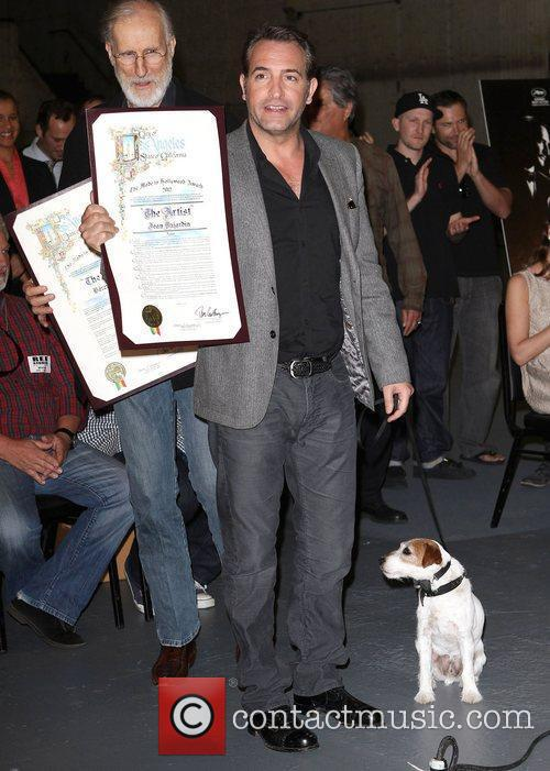 Jean Dujardin, Uggie the dog,  at the...