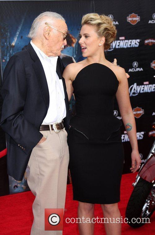Stan Lee and Scarlett Johansson 2