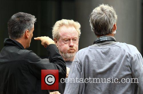 sir ridley scott on the film set 4020534