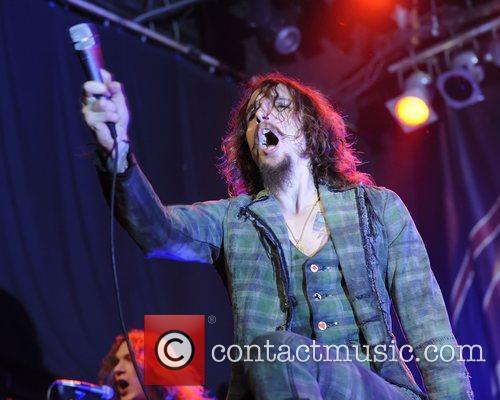 Justin Hawkins, Phoenix and The Darkness 8