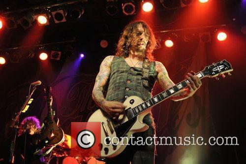 Justin Hawkins, Phoenix and The Darkness 10