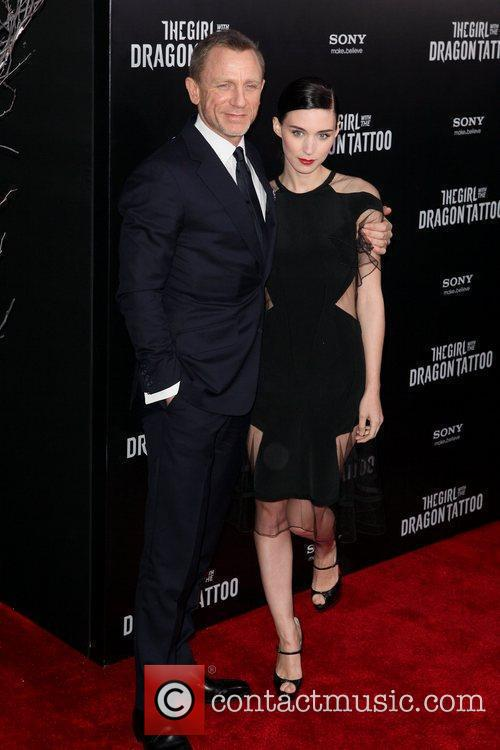 Daniel Craig and Rooney Mara 7