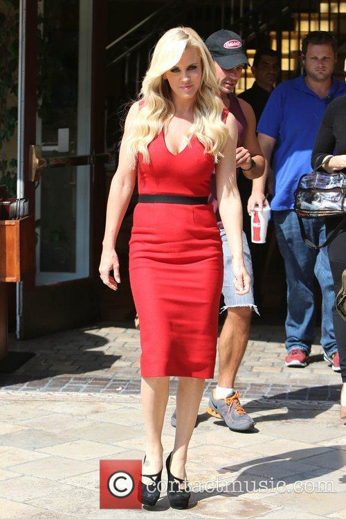 Jenny McCarthy, Extra and The Grove 18