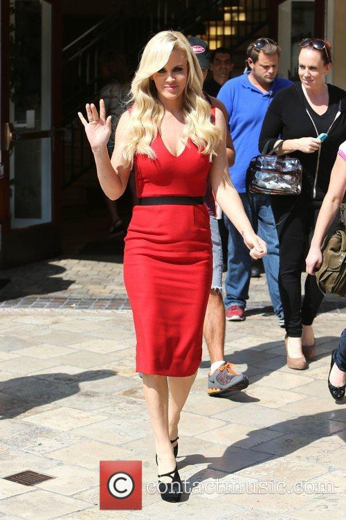 Jenny McCarthy, Extra and The Grove 23